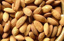 bademi - izvor e vitamina